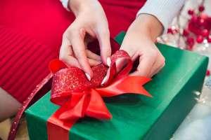 Bật mí cách chọn quà tặng trong tổ chức sự kiện tạo ấn tượng với khách hàng