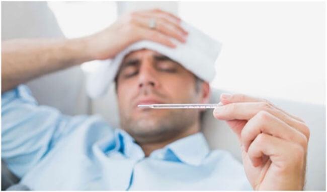 Dịch cúm H5N1 ở người với biểu hiện sốt cao, đau đầu