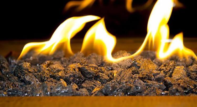 Etanol dễ cháy khi gặp lửa