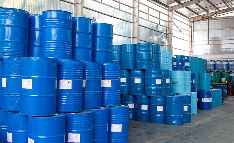 VietChem chuyên cung cấp hóa chất công nghiệp số lượng lớn trên toàn quốc