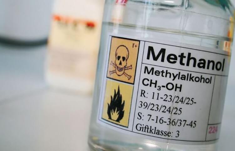 Cồn methanol CH3OH không màu, trong suốt
