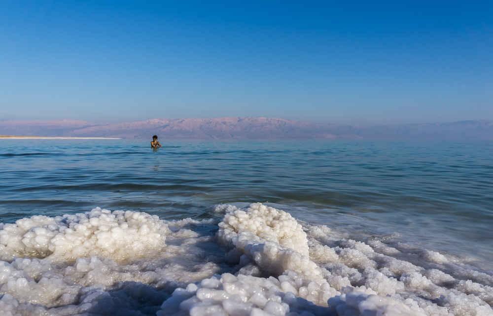 Nguồn điều chế chính của brom là nước biển