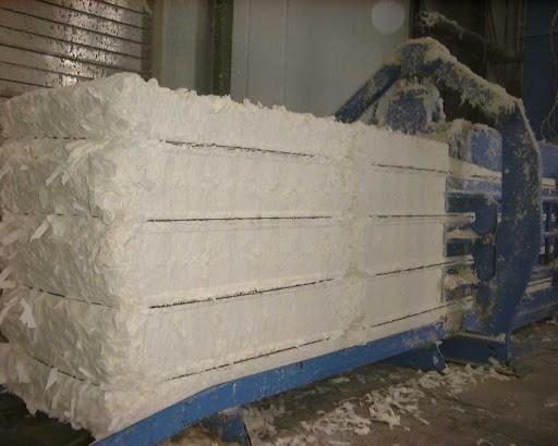 Natri sunfat tham gia vào chu trình sản xuất bột giấy