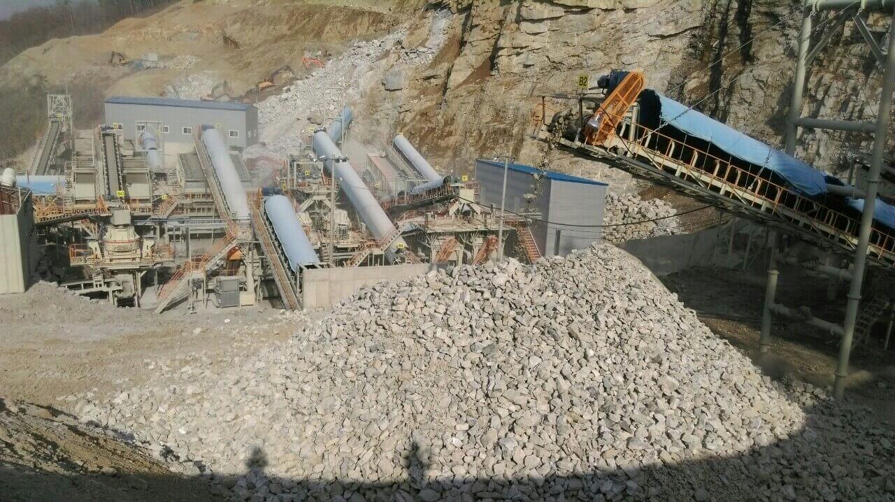 Amoni nitrat ứng dụng trong khai thác đá