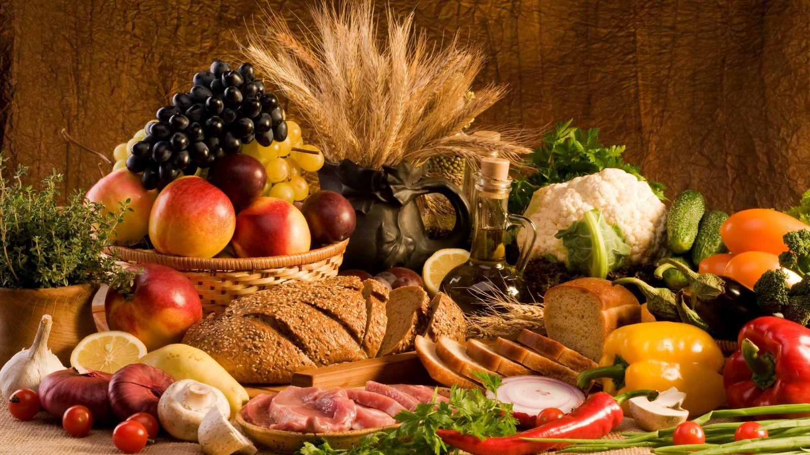 Axit succinic được dùng làm chất điều vị trong sản xuất thực phẩm