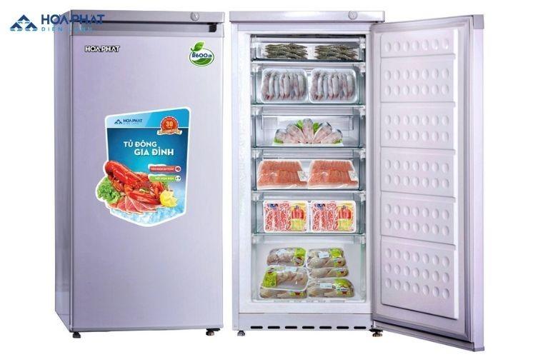Tủ đông có không gian lưu trữ lớn hơn, thời gian lưu trữ lâu hơn và đảm bảo an toàn dinh dưỡng hơn ngăn đông tủ lạnh