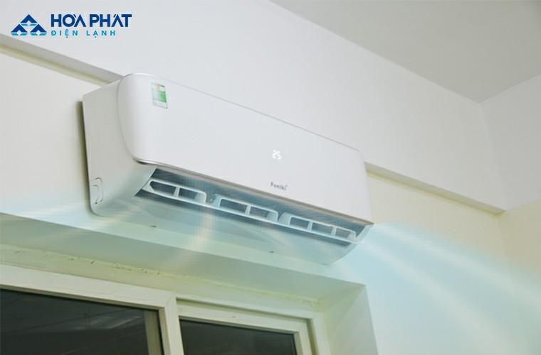 Cảm biến nhiệt điều chỉnh nhiệt độ phòng chuẩn với mức cài đặt trên máy, giúp người dùng luôn cảm thấy thoải mái
