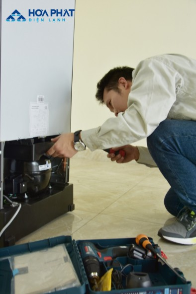 Cuộn sợi đốt cháy đứt khiến tủ lạnh không hoạt động được