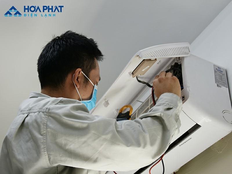 Bảng mạch Board bị hỏng khiến điều hòa không mát khi đó cần liên hệ với nhân viên kỹ thuật để được sửa chữa