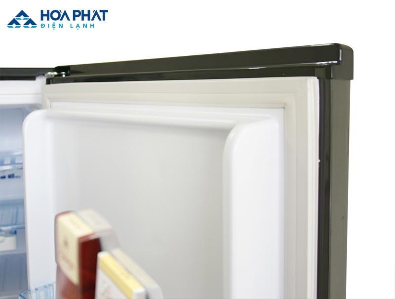 Kiểm tra định kỳ Gioăng và đệm cao su của tủ đông giúp bạn khắc phục sự cố đóng tuyết tốt hơn