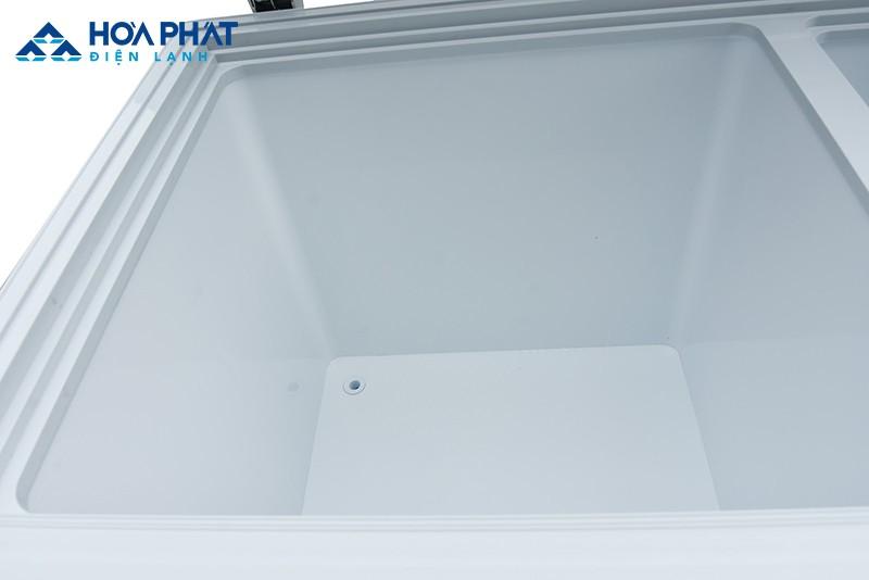 Lỗ thoát nước tủ đông bị hở hoặc nghẽn gây ra hiện tượng chảy tủ đông bị chảy nước
