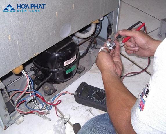 Thay rơ le cho tủ lạnh là cách khắc phục tiếng ồn nhanh chóng và hiệu quả nhất