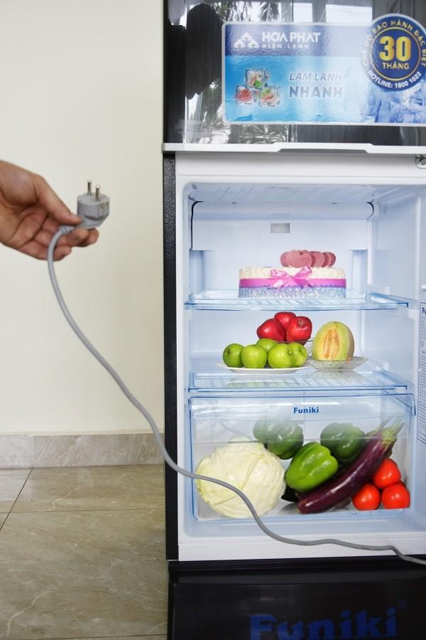 Nguồn điện không ổn định khiến tủ lạnh không chạy được, không có hơi mát và không làm đông được được phẩm