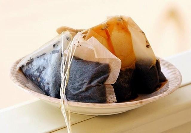 Trà túi lọc giúp không khí trong tủ lạnh thơm tho và sạch sẽ hơn
