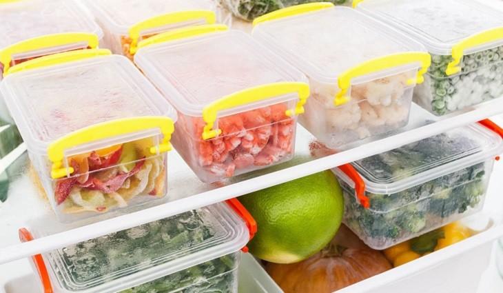 Dễ dàng khử mùi hôi tủ lạnh với những nguyên liệu có sẵn trong bếp.