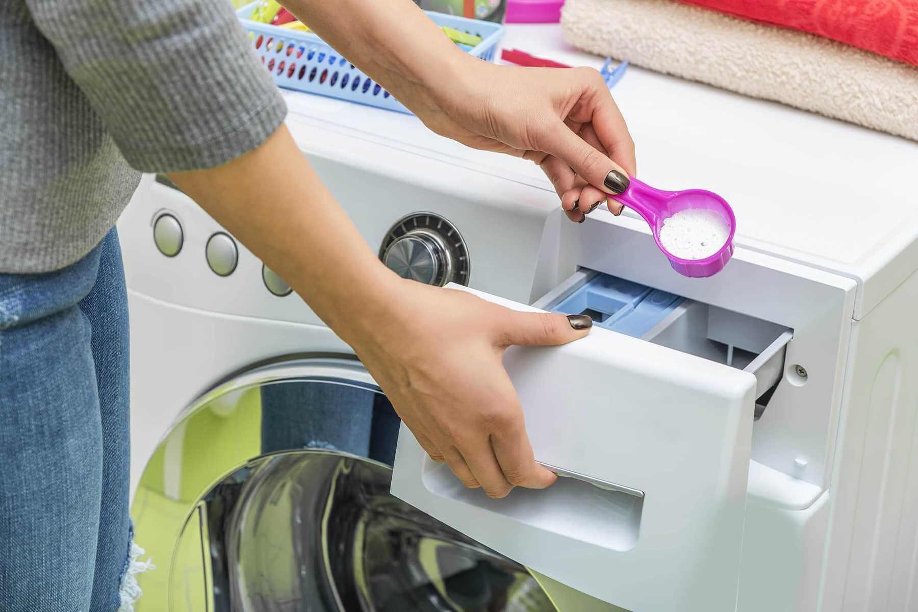 Bột giặt, nước giặt là một trong những chất tẩy rửa quan trọng