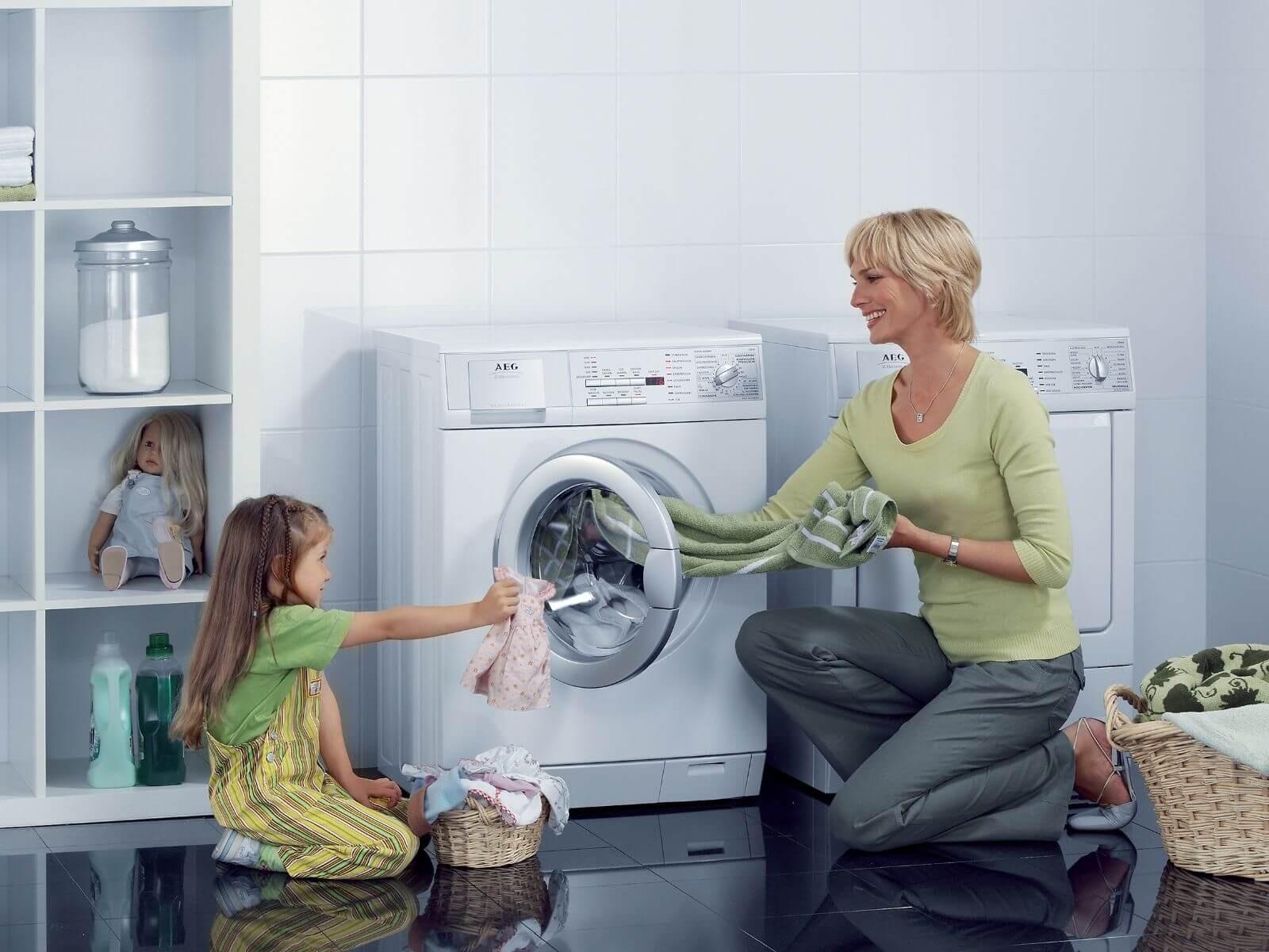 Lưu ý để lựa chọn nước giặt quần áo phù hợp với từng máy giặt