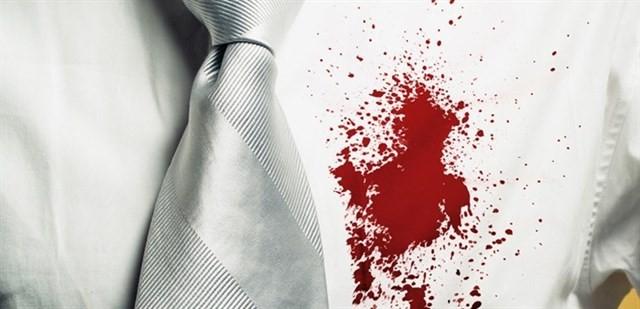8 cách tẩy vết máu khô trên quần áo hiệu quả tiết kiệm thời gian