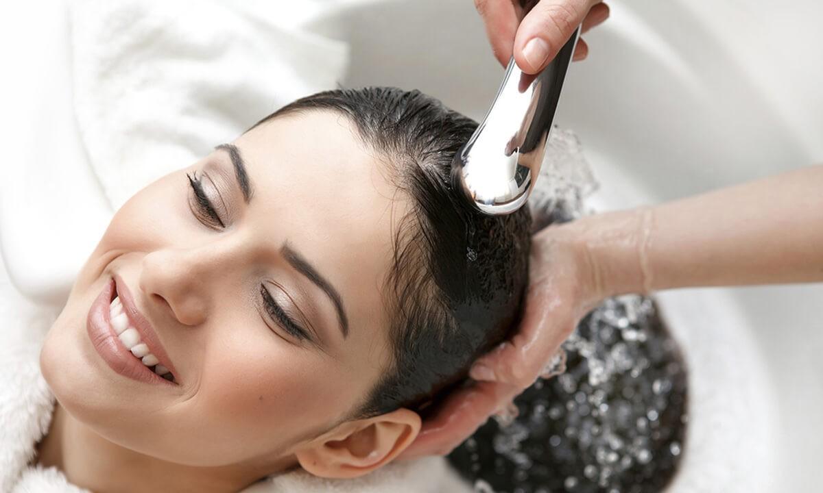 Muối giúp tóc chắc khỏe, ngăn rụng tóc, ngăn gàu