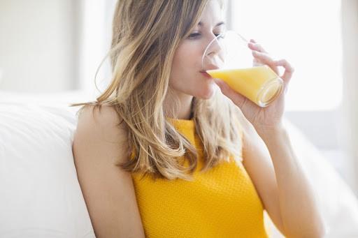 Hỗ trợ giảm cân khi uống nước cam