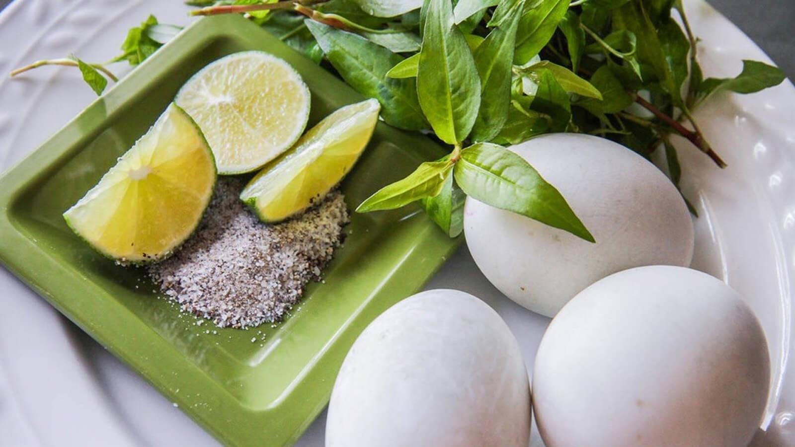 Ăn trứng vịt lộn bao nhiêu là đủ