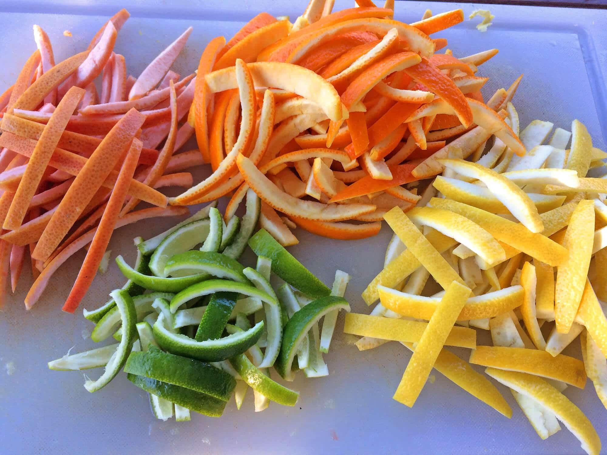 Vỏ cam, chanh, bưởi diệt gián