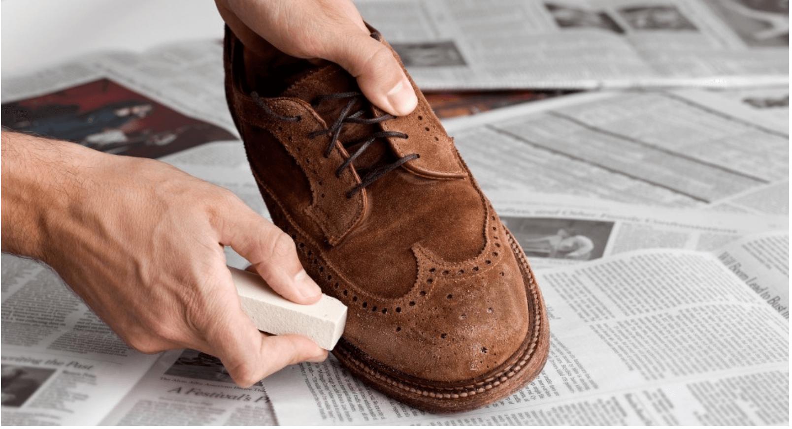 Đây là những bí kíp vệ sinh giày da lộn được rất nhiều người áp dụng