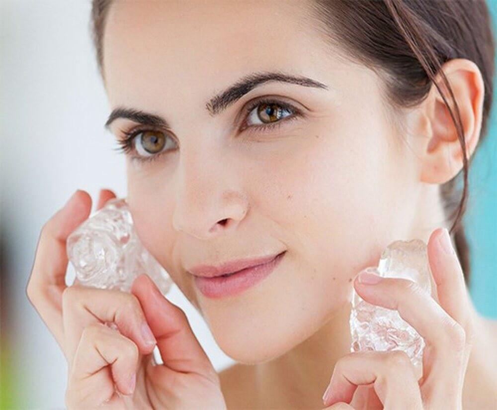 Chườm đá lên mặt có tác dụng gì? Lưu ý thực hiện đạt hiệu quả cao