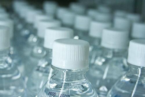 Nước cất là gì? dùng để làm gì và có uống được không