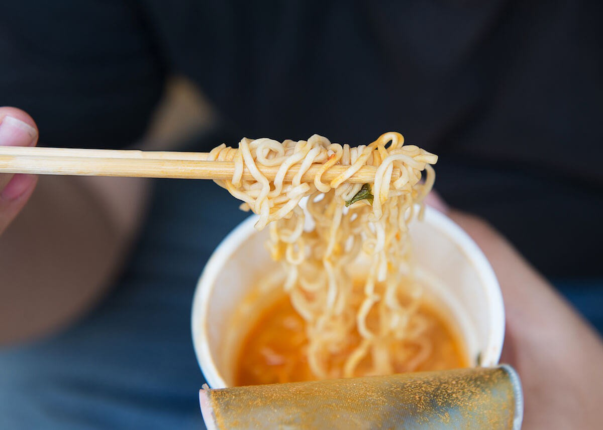 Tác hại của ăn mì tôm nhiều khủng khiếp ra sao? Lưu lại ngay