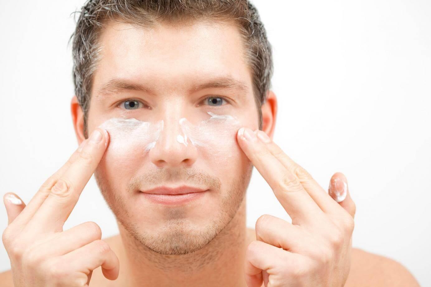 Làm trắng da mặt cho nam từ những nguyên liệu sẵn có tại nhà