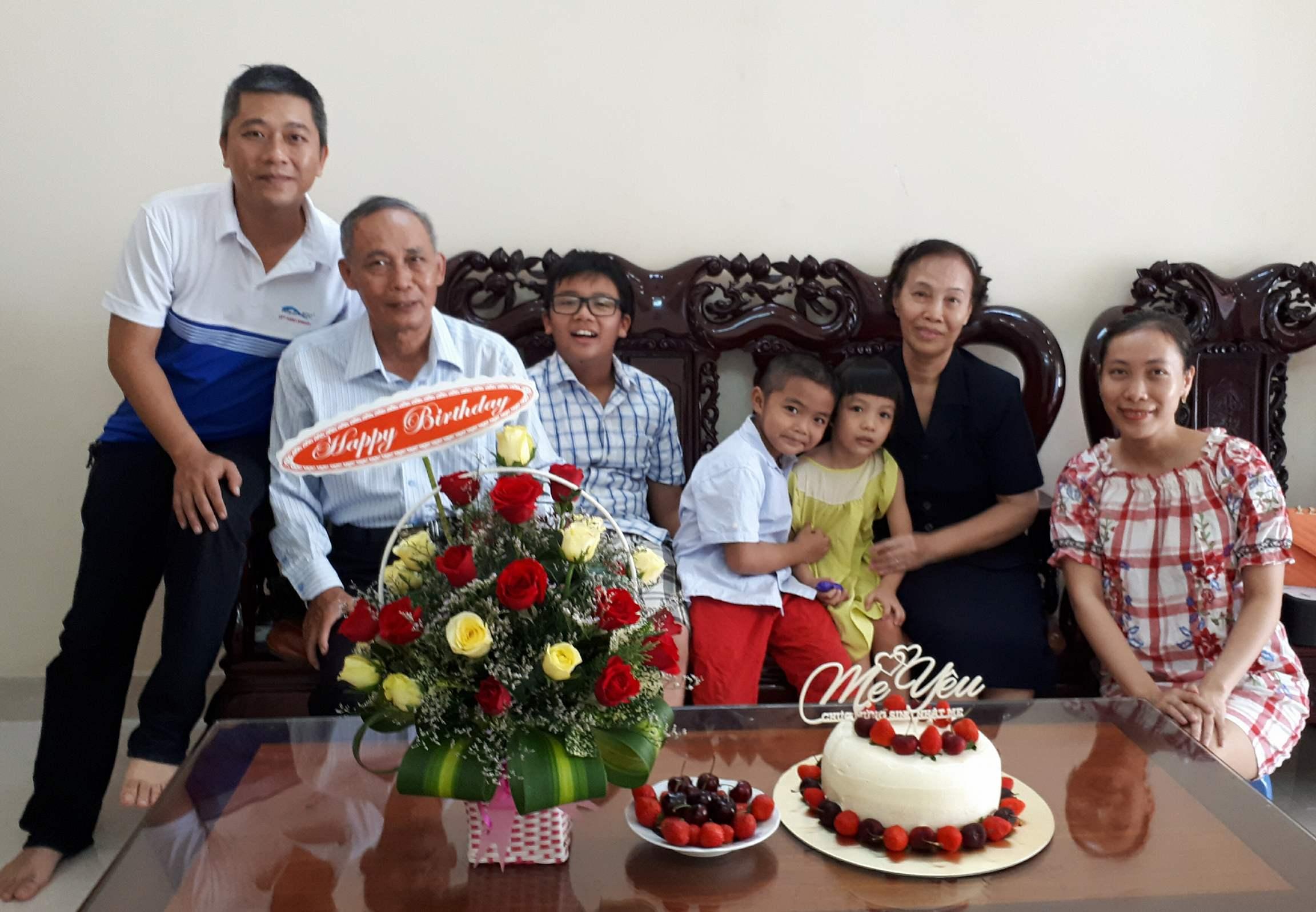 Người Trưởng Thành - Nguyễn Thị Tuyết Nhung