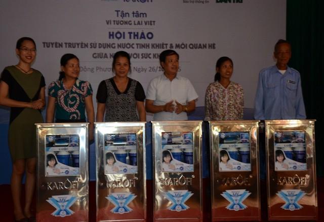 Karofi tặng máy lọc nước giúp người dân có nguồn nước sạch sử dụng