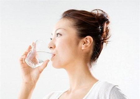 Cần bổ xung nước sạch cho sức khỏe vằng