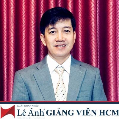 giang-vien-xuat-nha-khau-le-anh-nguyen-tam-hoang-thong-min