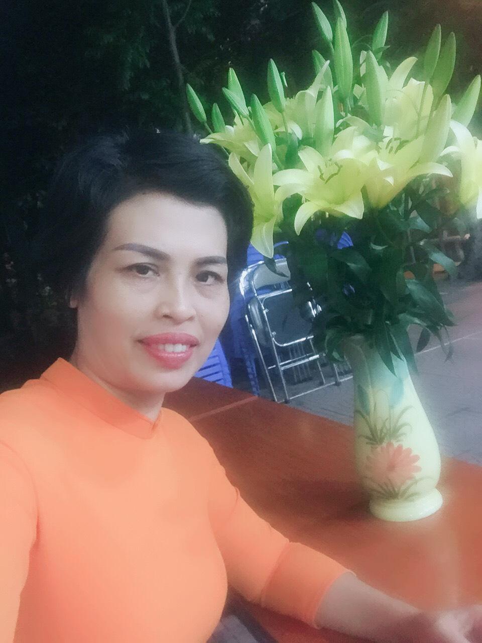 Ảnh cô Khánh Vân