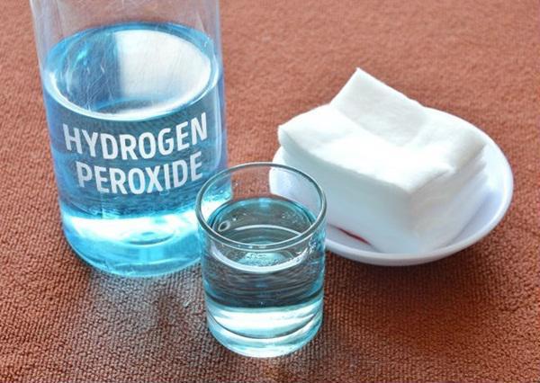 Dùng nước Oxy già trong sinh hoạt