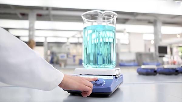 Máy khuấy từ gia nhiệt ika c-mag hs 10 được sử dụng phổ biến trong phòng thí nghiệm