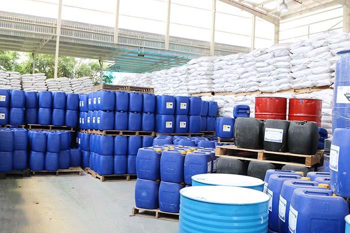 Các loại hóa chất công nghiệp sử dụng phổ biến trong sản xuất