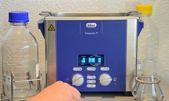 Sử dụng bể rửa siêu âm phòng thí nghiệm