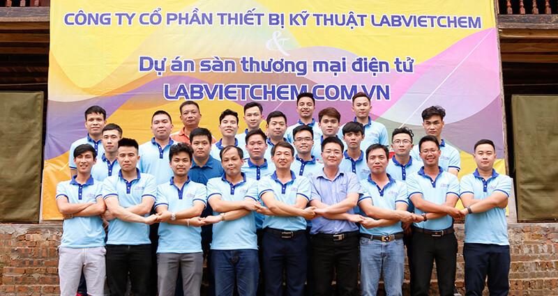 Hình ảnh các nam tài tử tại LabVIETCHEM