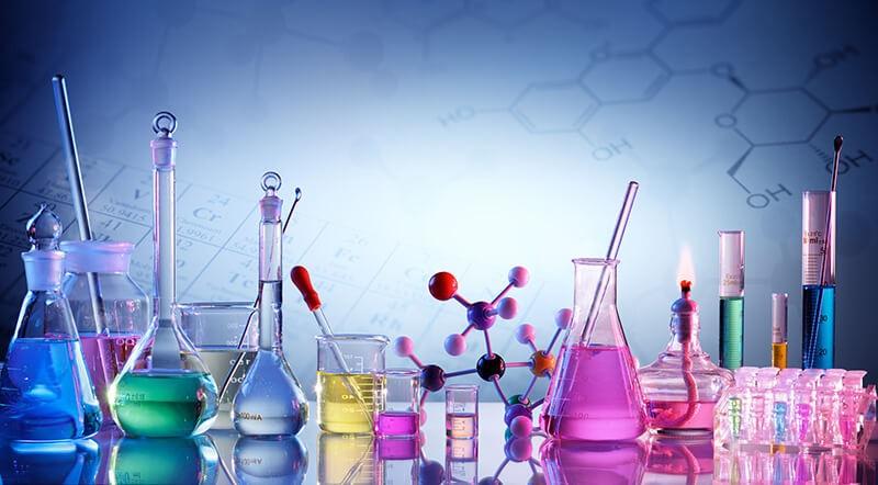 Hình ảnh hóa chất tinh khiết đa màu sắc trong phòng thí nghiệm