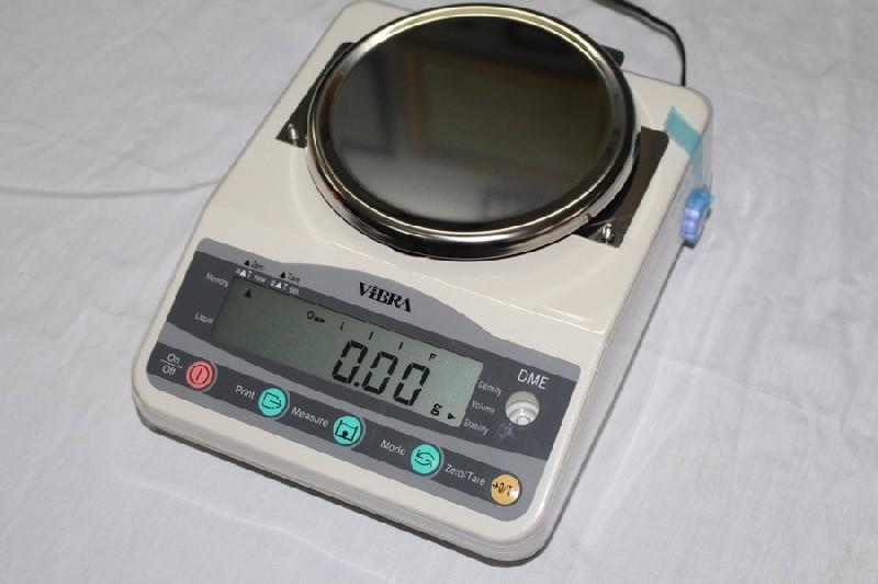 Kiểm tra chi tiết các bộ phận quan trọng của cân tỷ trọng