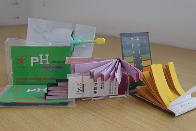 Sử dụng giấy quỳ để đo độ pH tuy đơn giản nhưng chỉ dùng cho những phép đo dễ thực hiện