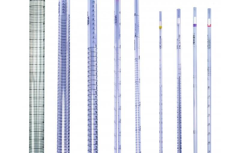 Pipet thủy tinh thí nghiệm với nhiều kích cỡ khác nhau