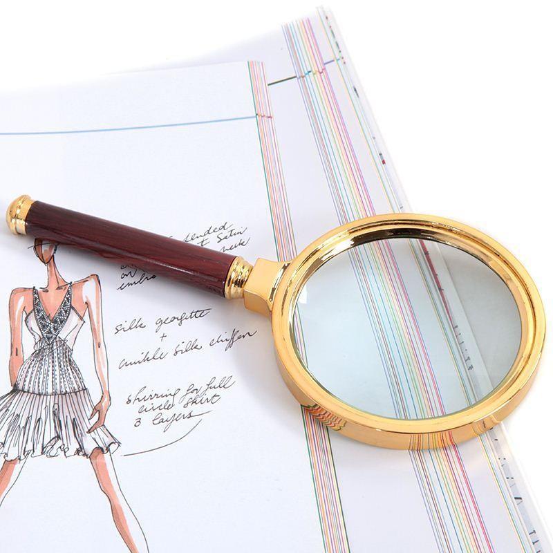 Kính lúp là gì? Đặc điểm và các loại kính lúp phổ biến hiện nay