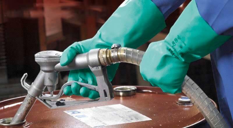 Gang tay chống chịu hóa chất được sử dụng trong rất nhiều lĩnh vực