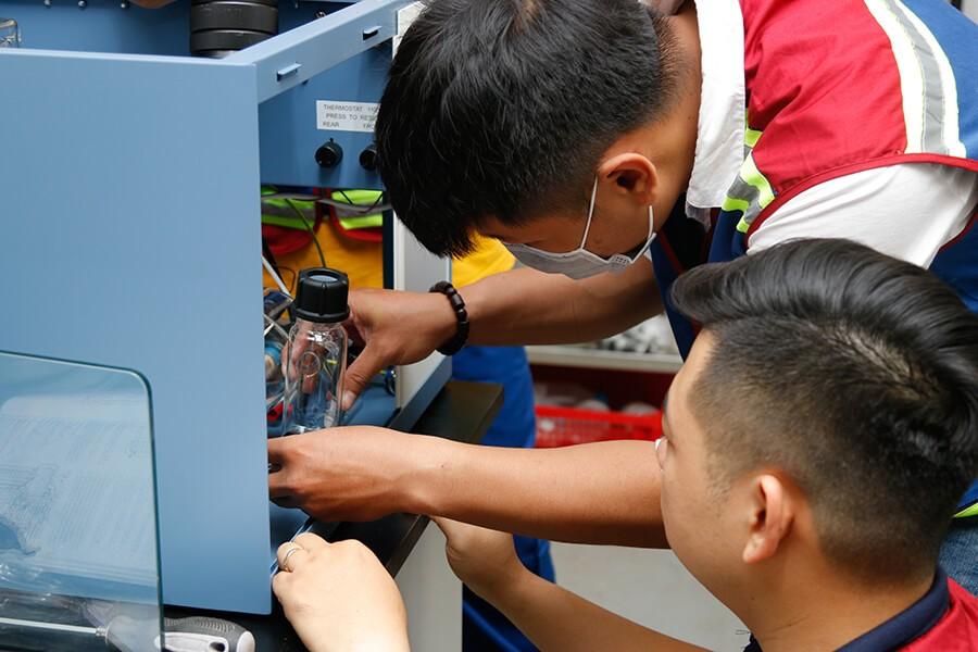 Lắp ráp máy nước cất A4000D