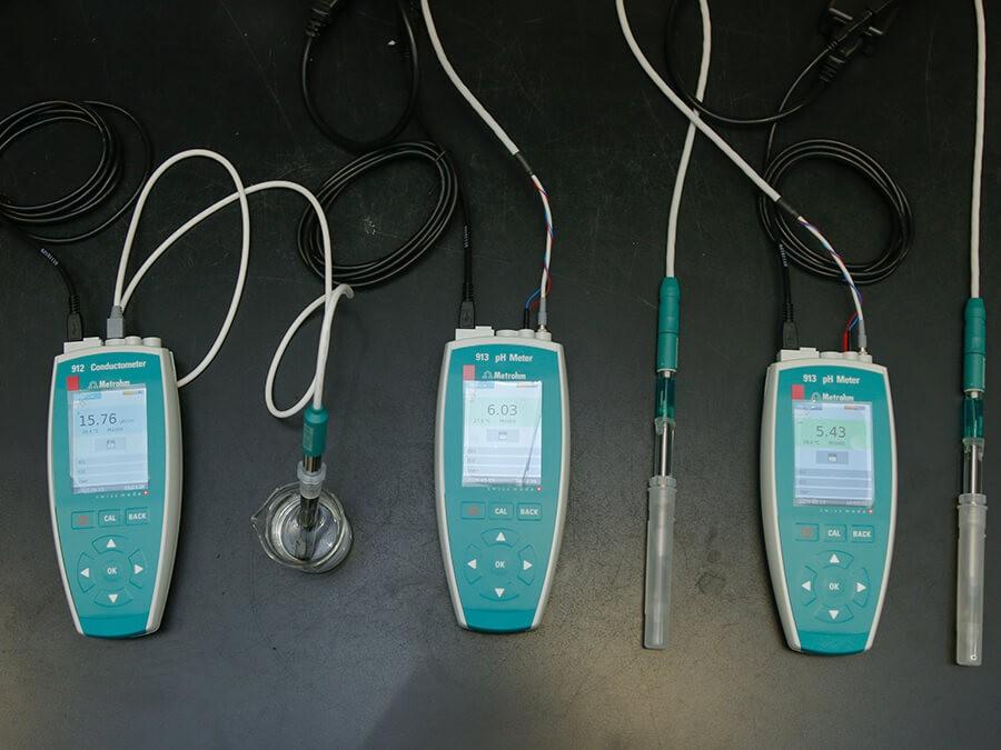 Thiết bị đo pH cầm tay 913 pH/Metrohm