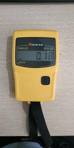 Máy đo phóng xạ điện tử hiện số